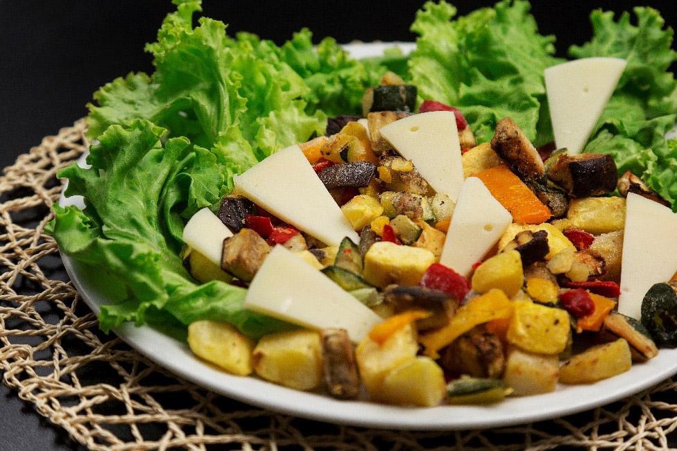 Insalata con Provola e verdure grigliate